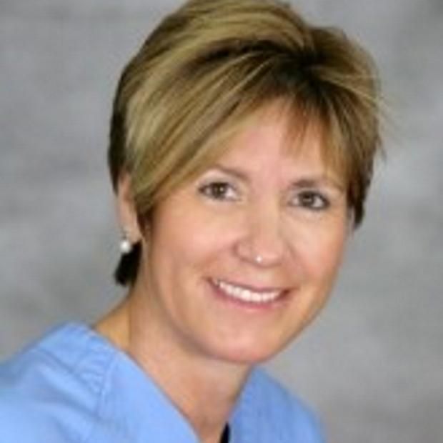 Dr Teresa Bernabeu
