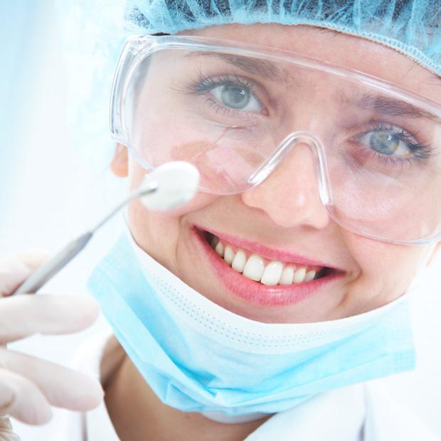 620 x 620 Regular dental checks